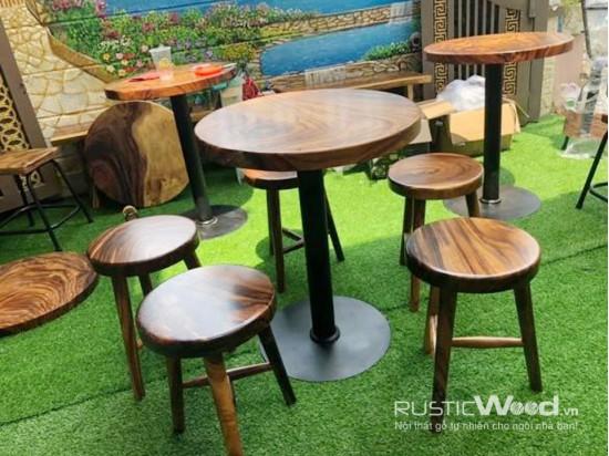 Bàn cafe gỗ me tây tròn chân sắt mâm tròn