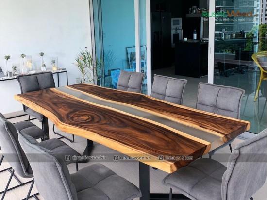 Bàn ăn epoxy keo trong mờ gỗ me tây 240x80cm