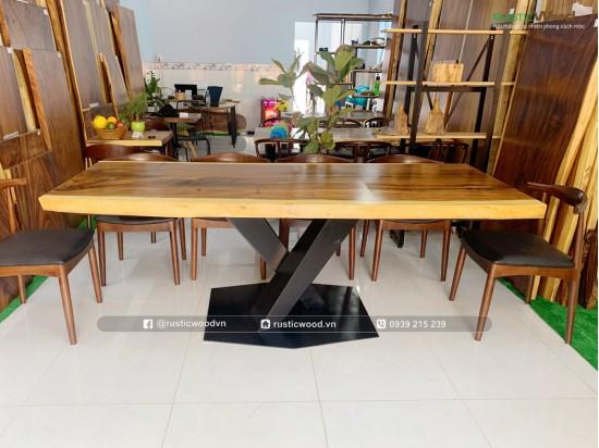 Chân bàn ăn sắt la tấm cho mặt bàn gỗ nguyên khối